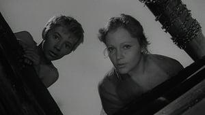 Iván gyermekkora háttérkép